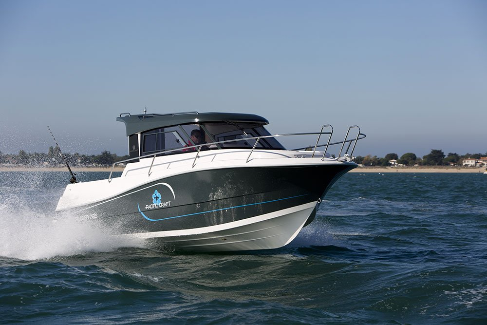 Pacific Craft 785 Fishing Cruiser